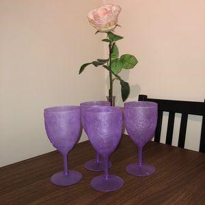 🌵4/$20 | 4 Vintage Plastic Wine Glasses